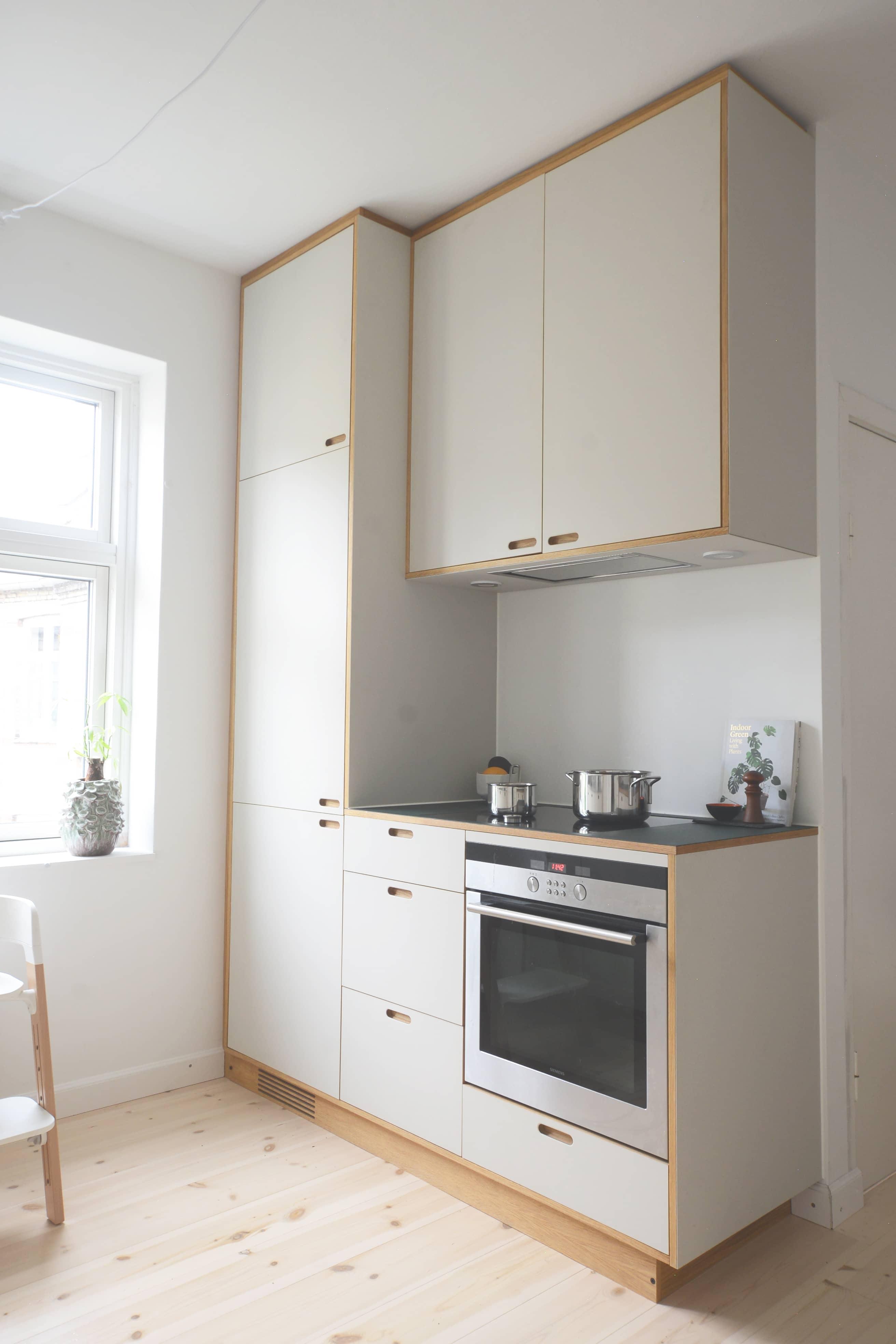 Køkken, opbevaring, skuffer, linoleum og egefinér