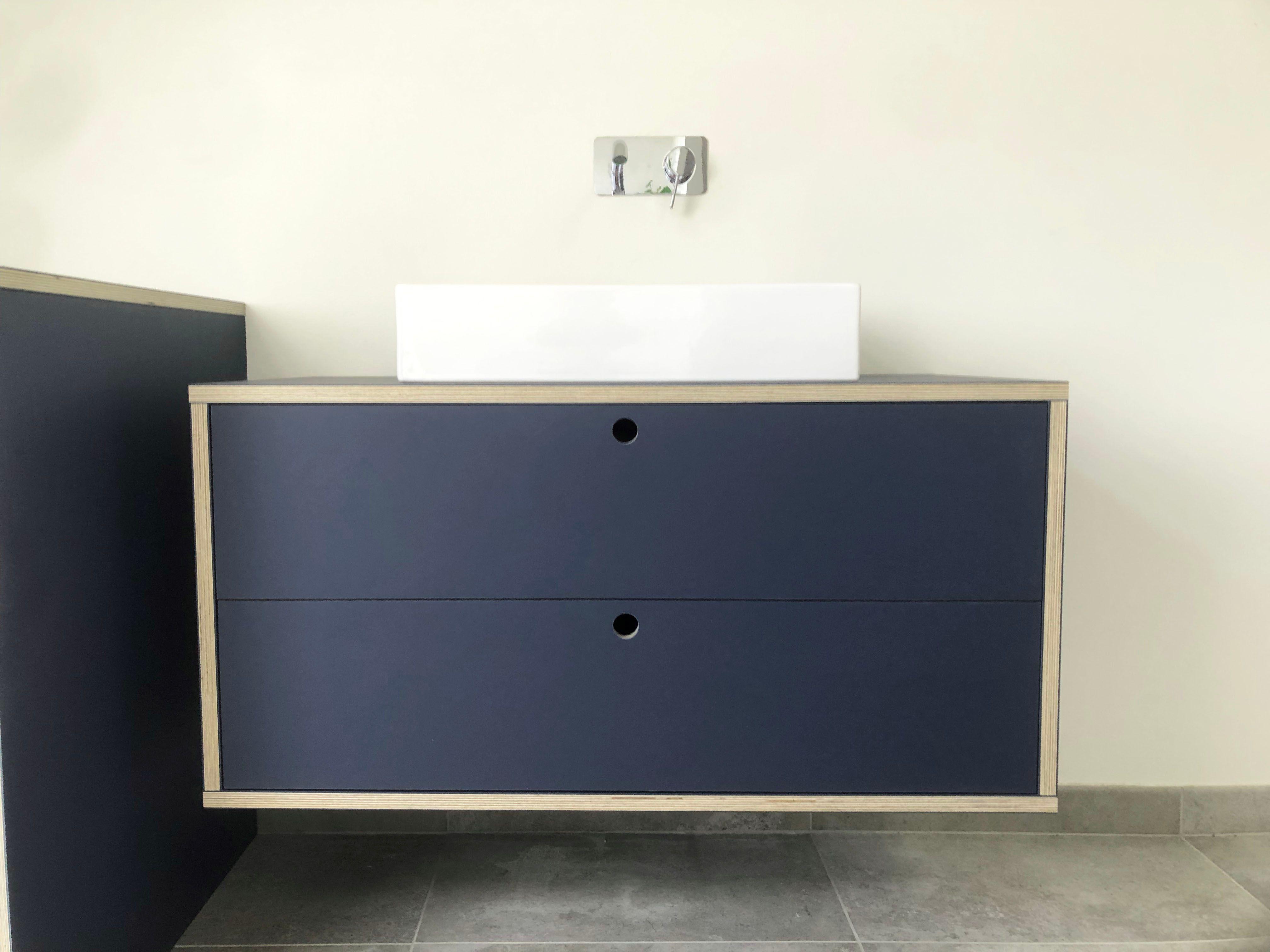 Badeværelsesmøbel, skuffer, linoleum